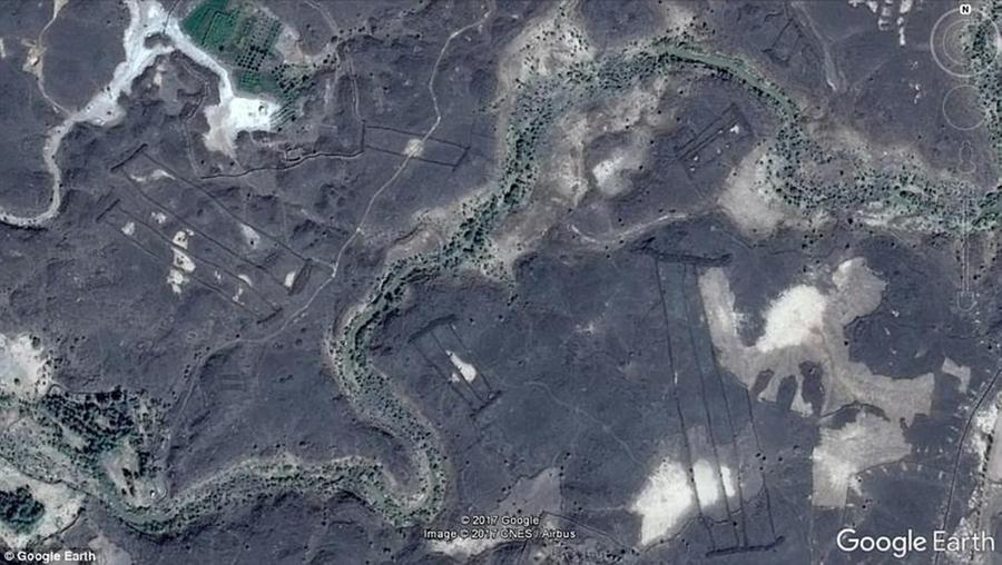 Il mistero delle quattrocento enormi porte di pietra dell'Arabia Saudita: ecco a cosa erano usate (forse)