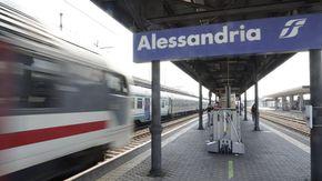 Cambi, ritardi, disservizi: l'odissea quotidiana sui treni verso Milano