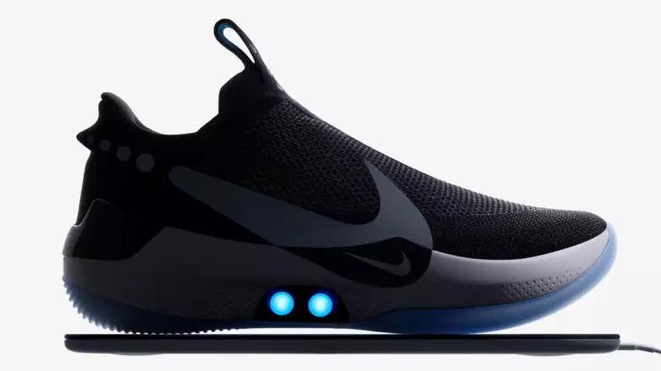 outlet store 73fca 71db7 Nike presenta AdaptBB, le scarpe auto-allaccianti pensate ...
