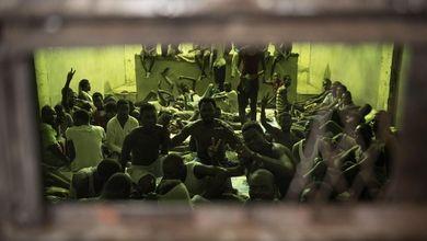 Il Parlamento sta per decidere se rifinanziare la guardia costiera libica