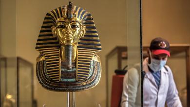Ieri la maschera, oggi la mascherina: il viso coperto ha una storia millenaria
