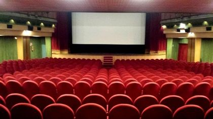 Vomero, il cine-teatro Acacia non diventerà un supermarket