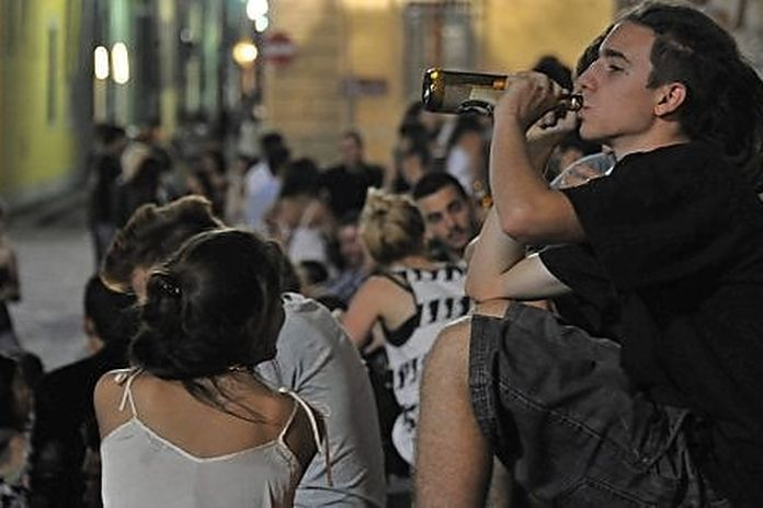Oms Giovani Potrebbero Provocare Nuovi Picchi In Europa La Repubblica