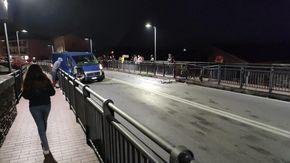 Rubano furgone del Comune di Busca, si schiantano nella fuga e scappano a piedi