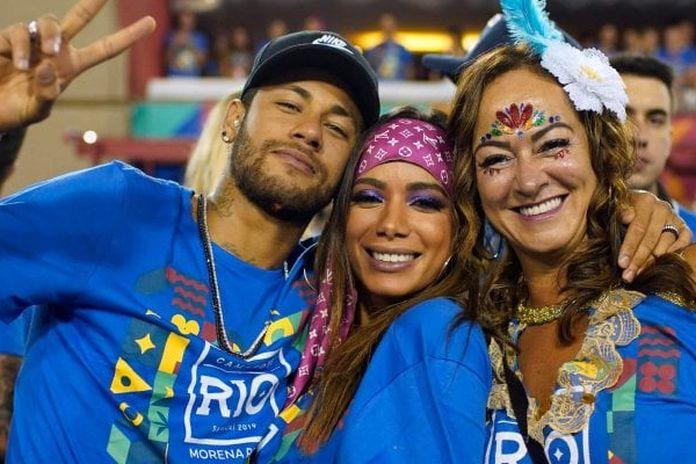 Risultati immagini per Neymar in Brasile a curare l'infortunio: ma poi balla al Carnevale