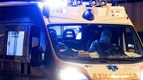 Auto si ribalta nel Lucchese con tre giovani a bordo: morto un 26enne