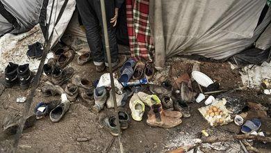 Ritorno al campo di Bihac, dove solo il fiume sopravvive all'orrore