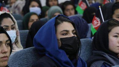 Cosa è cambiato per le donne in Afghanistan dopo vent'anni di presenza militare della Nato e dell'Italia