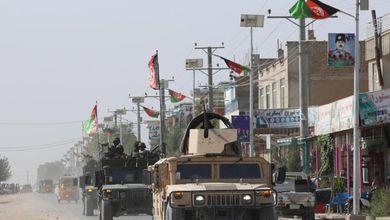 Talebani e Stati Uniti, c'è la bozza dell'accordo di pace: ma gli attentati non si fermano
