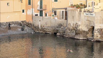 Bagno in mare a Boccadasse