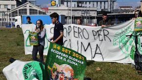 """Clima, venerdì a Torino lo sciopero degli studenti di Fridays for Future: """"Dai candidati solo promesse vaghe"""""""
