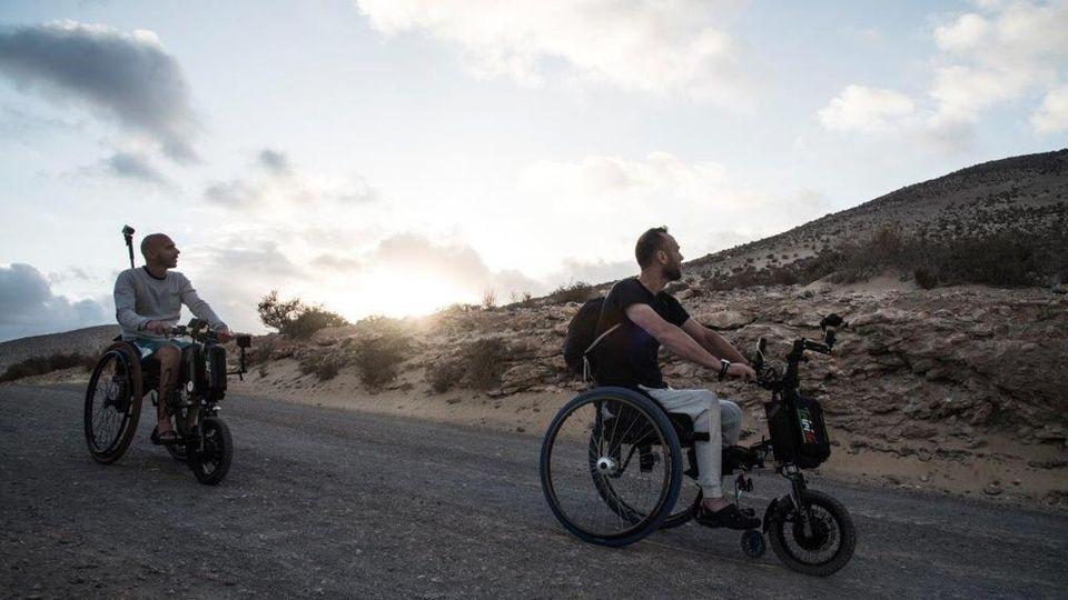che cosa è come uscire con qualcuno su una sedia a rotelle Carlton biciclette incontri