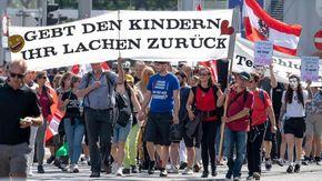 Covid, contagi in aumento in Austria: il governo studia un nuovo lockdown solo per i non vaccinati
