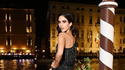 Rocío Muñoz Morales, l'attrice compagna di Raoul Bova incanta a Venezia con un look italiano