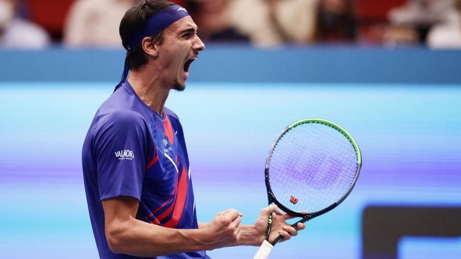 Tennis: a Vienna impresa Sonego, batte Evans e vola in finale