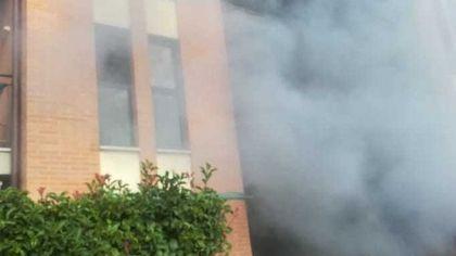 Incendio in garage, muore un uomo di 89 anni