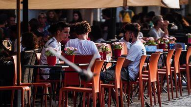 Tavolini ovunque e licenze facili: per rilanciare la ristorazione è partito il far west