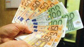 Per la prima volta scende il debito pubblico (-3,3%). Ma l'Italia resta il secondo paese più indebitato d'Europa (156,3% del Pil)