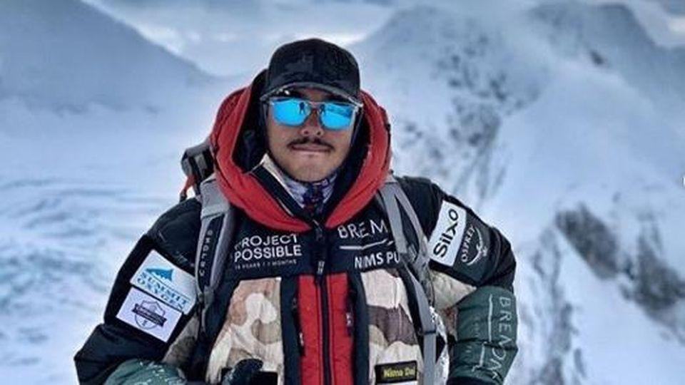 Impresa record dell'alpinista Nirmal Purja, scala le 14 vette più alte del mondo in 7 mesi