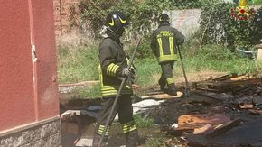 In fiamme una legnaia di Baldichieri