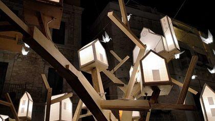 Natale, a Ruvo si accendono le luminarie realizzate dai cittadini