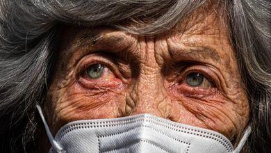 Il Piano di ripresa si è dimenticato degli anziani non autosufficienti e delle loro famiglie