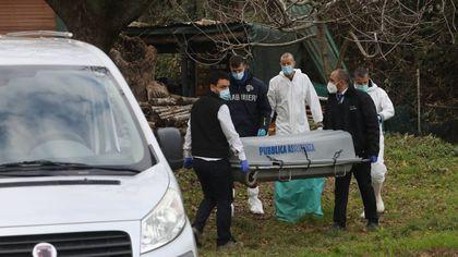Firenze, trovata la quarta valigia con resti umani nel campo dei cadaveri