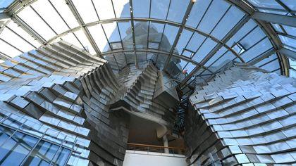 """Arles, c'è una nuova torre Gehry a """"dialogare"""" con il Teatro Romano"""