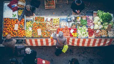 L'agricoltore va al mercato: vende meglio e di più, e l'ambiente ringrazia