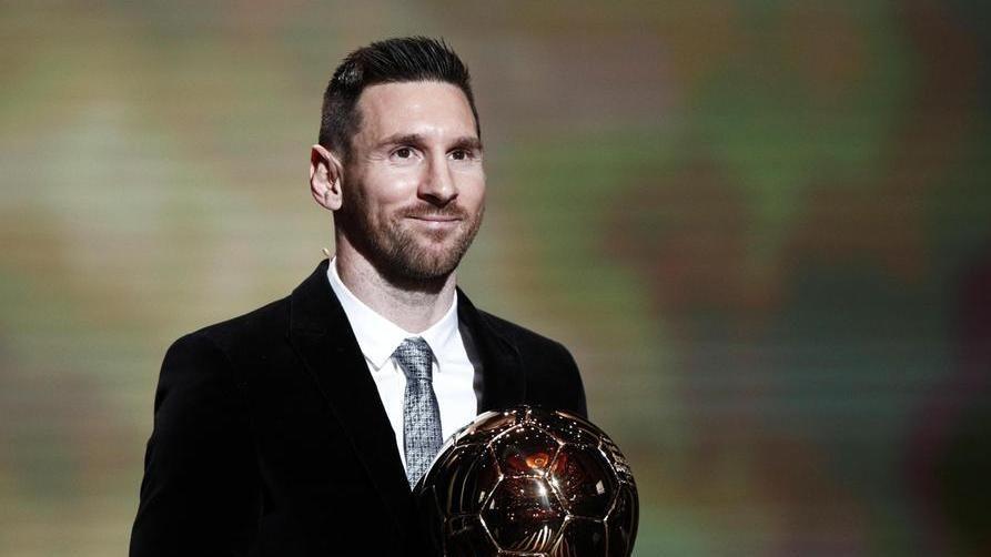 Leo Messi vince il suo sesto Pallone d'Oro davanti a van Dijk e Cristiano Ronaldo