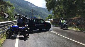Schianto contro il guard-rail a Exilles, morto un motociclista