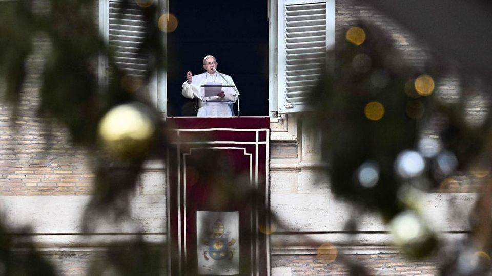 Il Papa La Fiamma Del Battesimo Va Alimentata Con Preghiera E