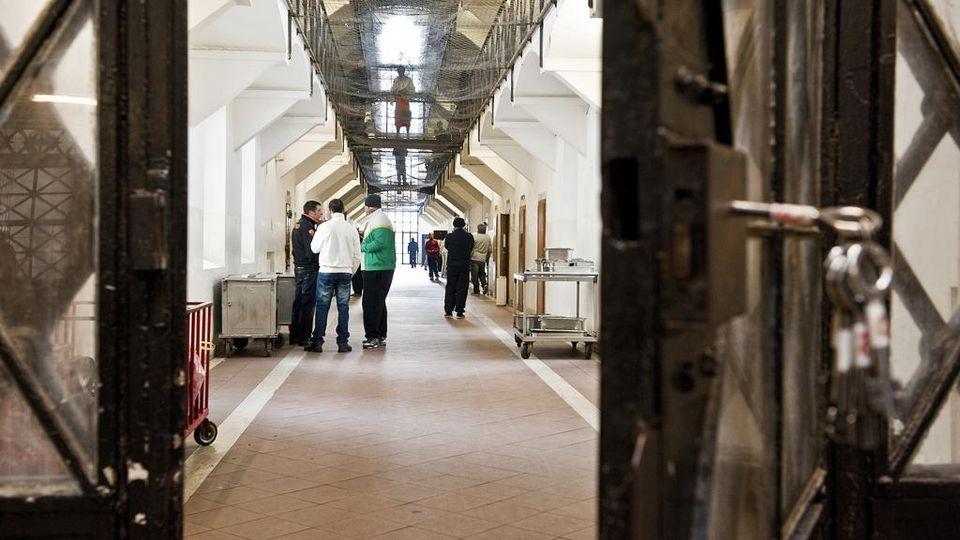 Datazione guardia carceraria