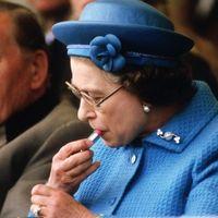 """Elisabetta: il """"trucco"""" del suo regno? I rossetti"""