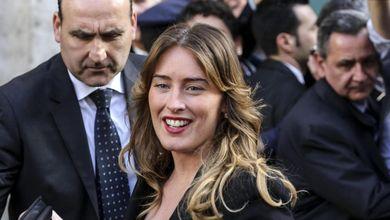 Maria Elena Boschi due ore dai pm, per l'emendamento che Matteo Renzi difende