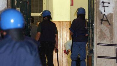 G8 di Genova, agli arresti i poliziotti<br /> responsabili del massacro della Diaz