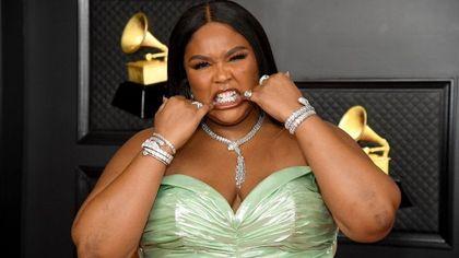 Grillz, i gioielli da denti sempre più pop (e femminili)