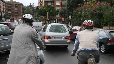 Targa e bollo per le bici, il senatore Pd: