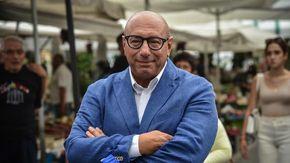 """Milano, il candidato Bernardo nei mercati comunali. """"A settembre arrivano i big del Centrodestra. Giorgetti fuori dalla Lega? Non mi risulta"""""""