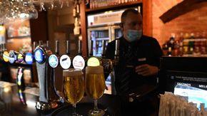 Covid nel mondo: nuovo picco di 45.000 contagi nel Regno Unito, ma i morti calano a 57 e ricoveri restano sotto i livelli di guardia