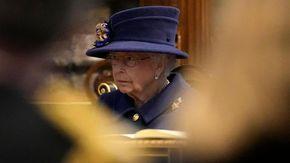 "Buckingham Palace: ""La Regina ha trascorso una notte in ospedale"""