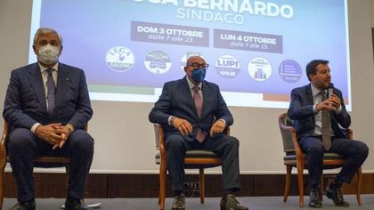 """Comunali a Milano, Bernardo chiude la campagna elettorale senza foto di gruppo del centrodestra. Da FdI attacco a Sala sul voto disgiunto: """"Idea bizzarra"""""""