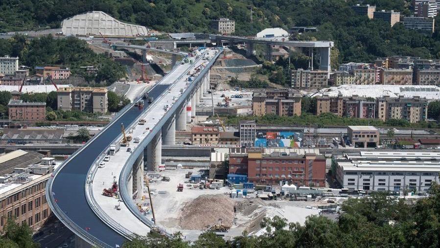 """L'avvertimento dell'Avvocatura dello Stato: """"Revocare la concessione di Autostrade costerebbe 23 miliardi"""""""