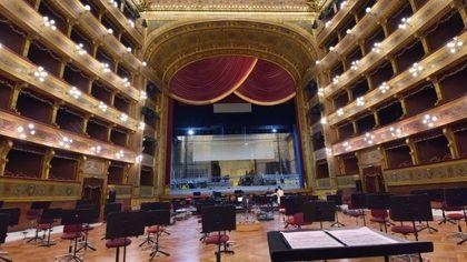 Palermo, il Massimo diventa un teatro di posa per il concerto dal vivo in streaming