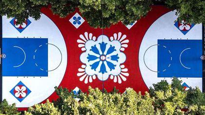 Basket, la nuova pavimentazione del playground richiama i marmi del Duomo di Milano