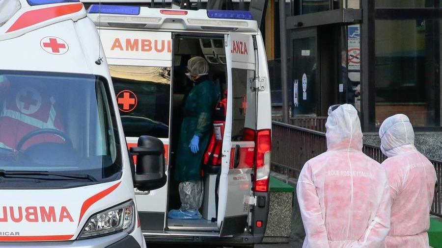 Novara, accusa un malore mentre pedala: muore ciclista di 69 anni