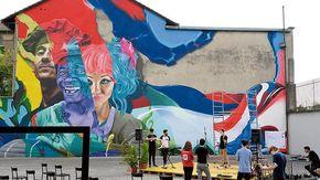 Un maxi murale simbolo di inclusione a San Salvario: lo firmano gli artisti olandesi Karski & Beyond