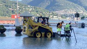 Maltempo: esonda il lago di Como, strade allagate