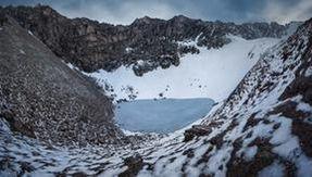 Il mistero dell'inquietante lago himalayano pieno di ossa umane