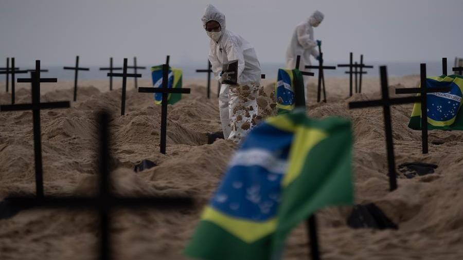 """Coronavirus, in Brasile un milione di casi. Msf: """"Incubo fuori controllo"""" -  La Stampa"""